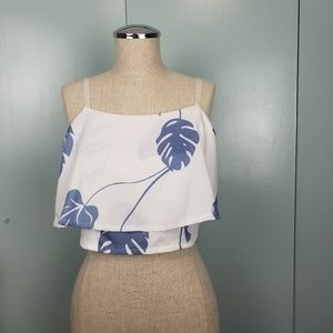 White printed cropped top in size S -R1